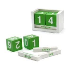 LFCL040 - Wooden Desk Calendar