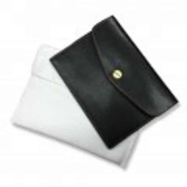 LFPH022 – PU Passport Holder Slot
